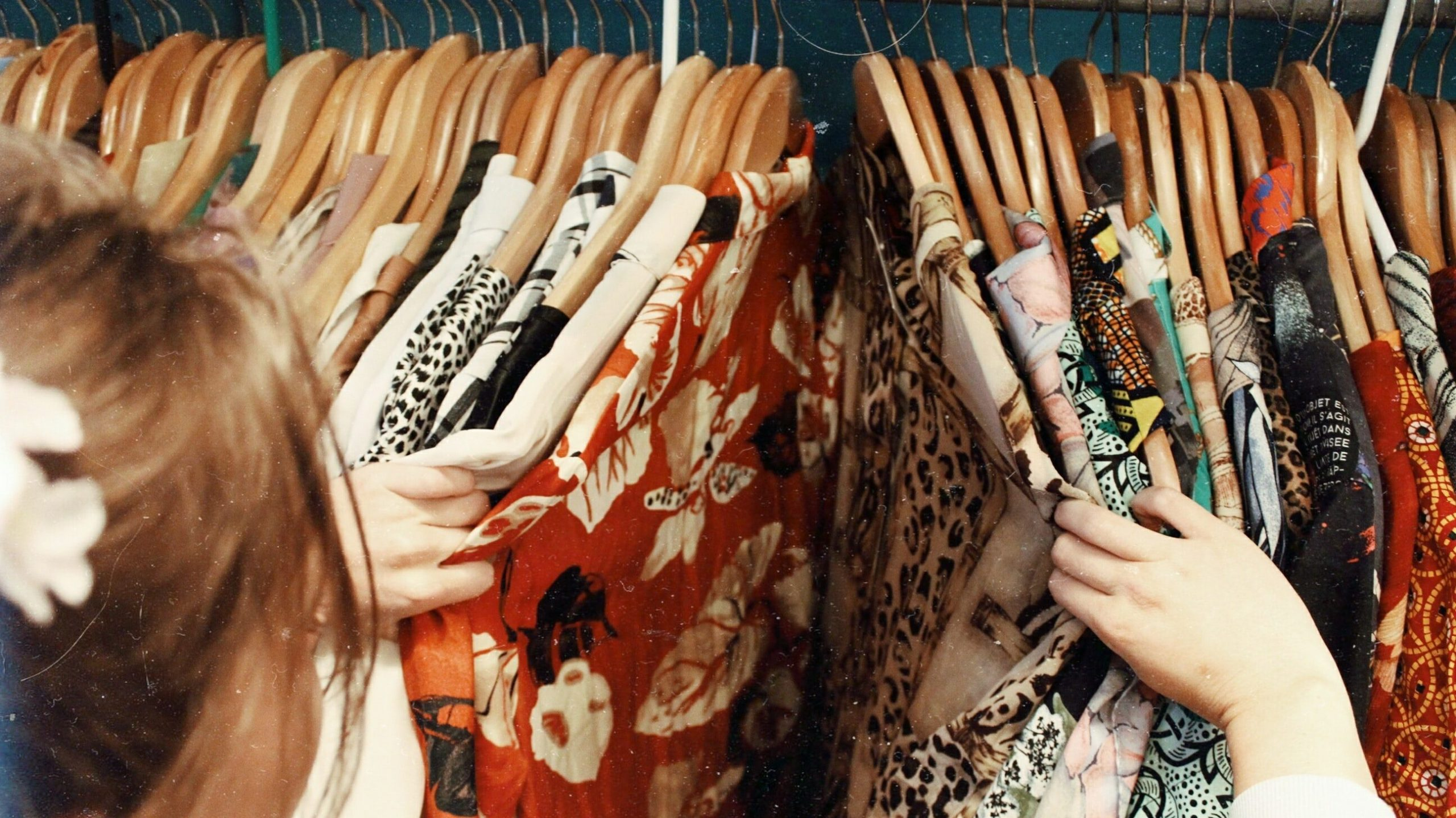 Buy second hand clothes to reduce your carbon emissions